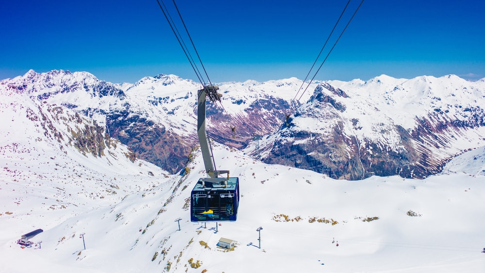 Gondola on the Diavolezza peak, Grisons Canton
